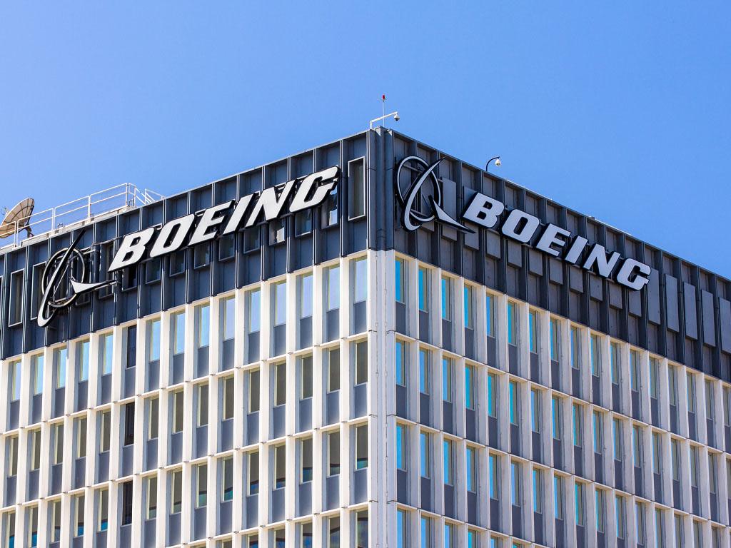 Boeing a traversé la pire période de son histoire avec les déboires du 737 Max, les difficultés liées au 787 et la pandémie qui a cloué au sol toutes les commandes enregistrées en 2019, et ce jusqu'à la reprise des livraisons en décembre 2020 - Depositphotos.com wolterke