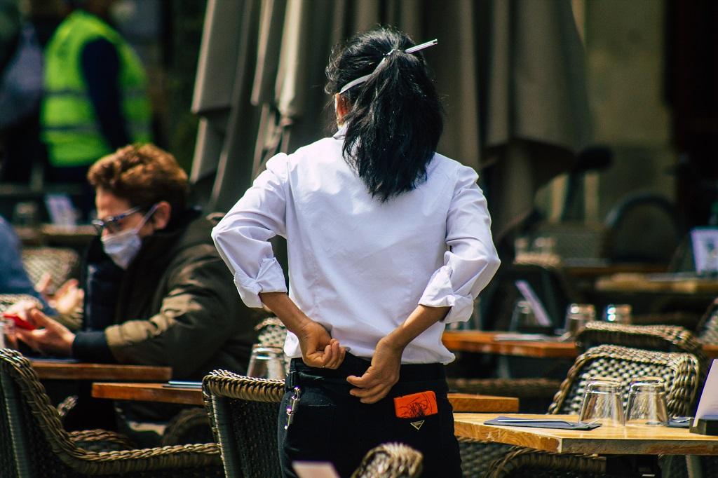 Les terrasses des restaurants ont pu retrouver leurs clients depuis le 19 mai 2021 - Depositphotos.com jomahepu@gmail.com