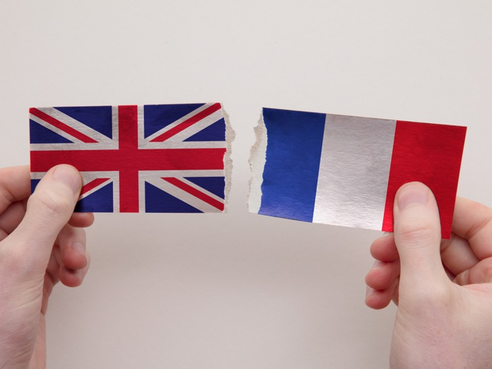Motifs impérieux et isolement de 7 jours pour les Français souhaitant se rendre au Royaume-Uni -  Crédit photo : Depositphotos @InkDropCreative