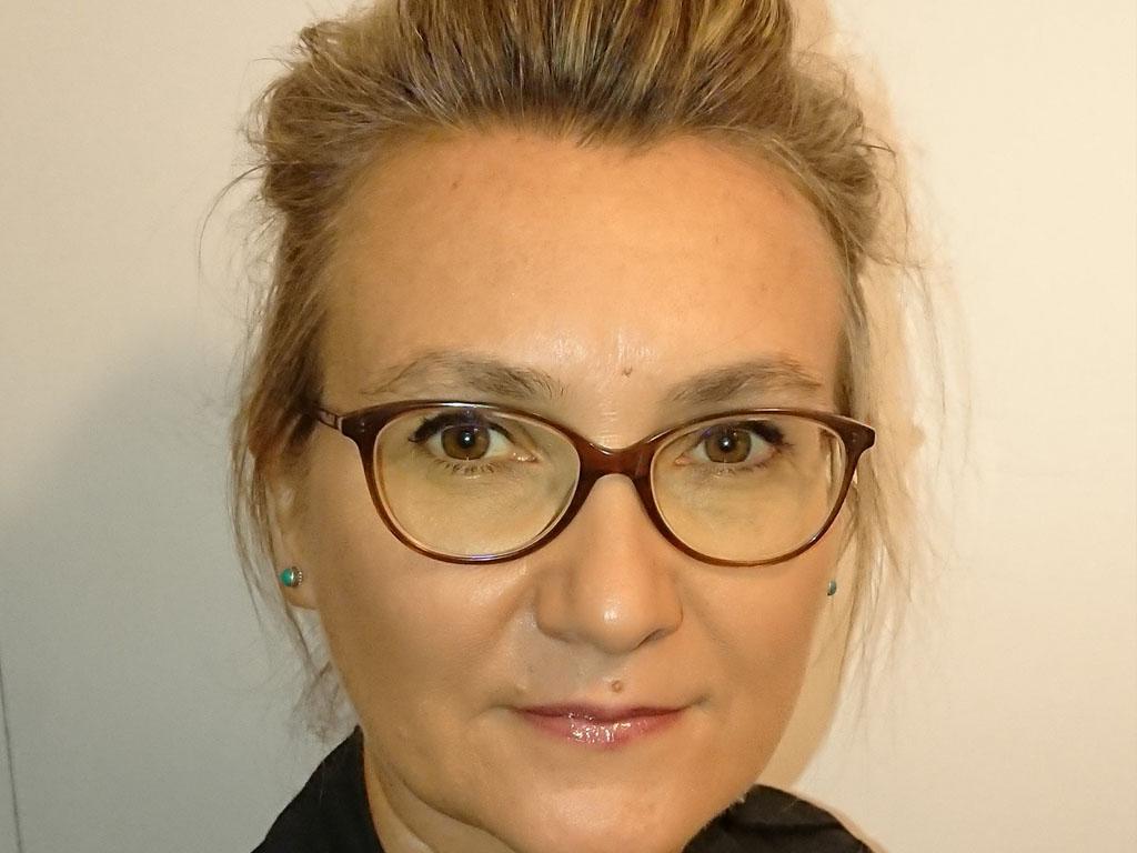 Catherine Arvor, ex-animatrice du réseau et responsable des ventes tourisme d'Examonde Voyages, recherche un poste de directrice régionale de réseaux d'agences de voyages, à Paris ou dans l'ouest de l'île de France. - DR Catherine Arvor
