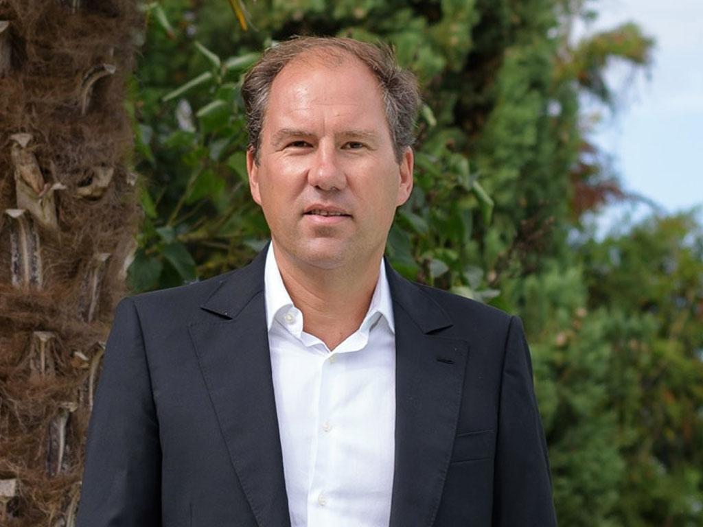 """Didier Arino : """" Les Français sont devenus pragmatiques. Ils ont été échaudés de réserver à l'avance. Billets d'avion non remboursés, émission d'avoir, non remboursement de prestation réservées... la crise a entraîné quand même une certaine défiance vis à vis du secteur."""" - DR"""