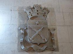 Armoiries de la puissante corporation des tanneurs dans l'église St-Ouen © Thérèse Aubreton