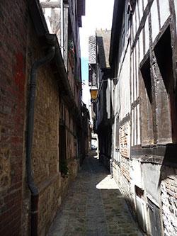La pittoresque rue de l'Epée © Thérèse Aubreton