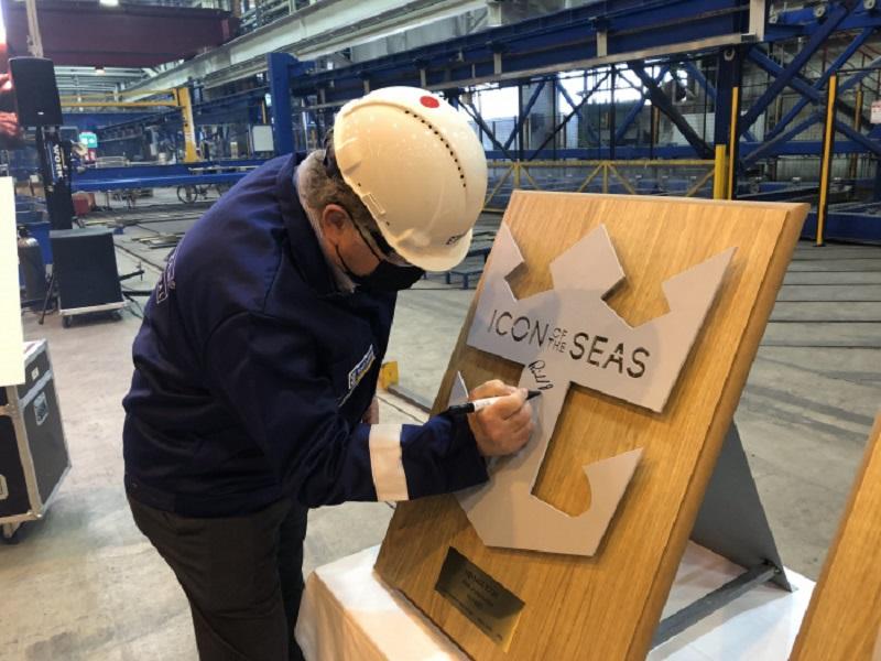 L'Icon of the Seas fera ses débuts à l'automne 2023 en tant que premier des trois navires de la compagnie de croisière à être alimenté au GNL - DR : RCL
