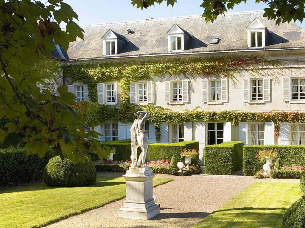 Intermèdes propose dans le cadre de ses Echappées Culturelles, le Château-hôtel Le Choiseul 4* à Amboise - DR intermedes