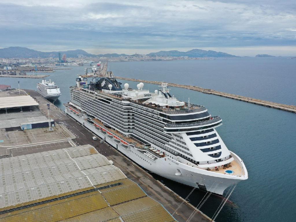 Le MSC Seaside amarré au port de Marseille avant son départ vers la Sicile - Photo Cédric Denoyer