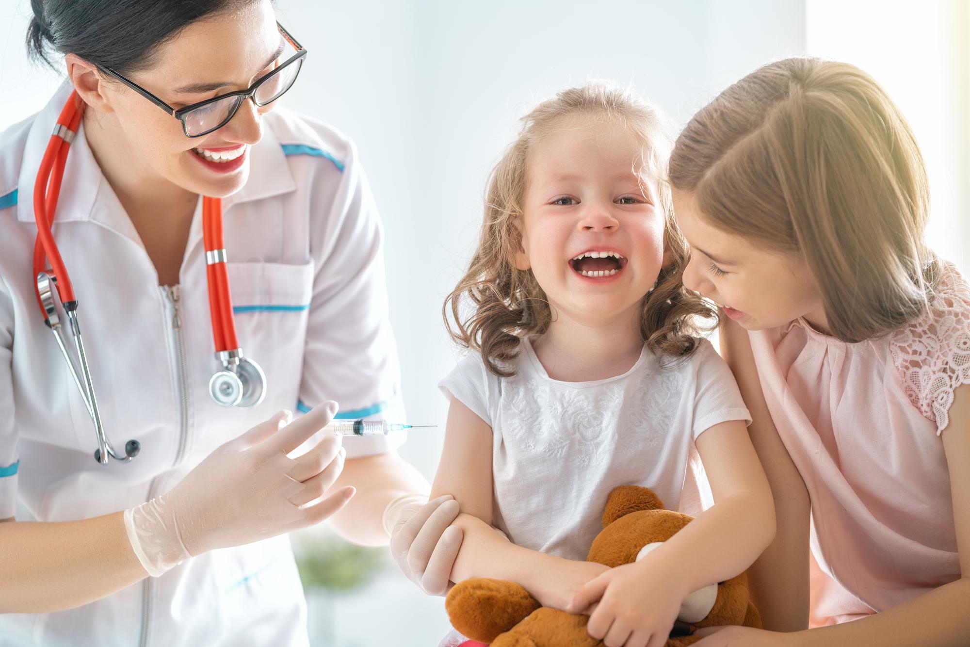 Rendre la vaccination obligatoire pour tous estle seul dispositif possible pour sortir du cercle vicieux du virus /crédit DepositPhoto
