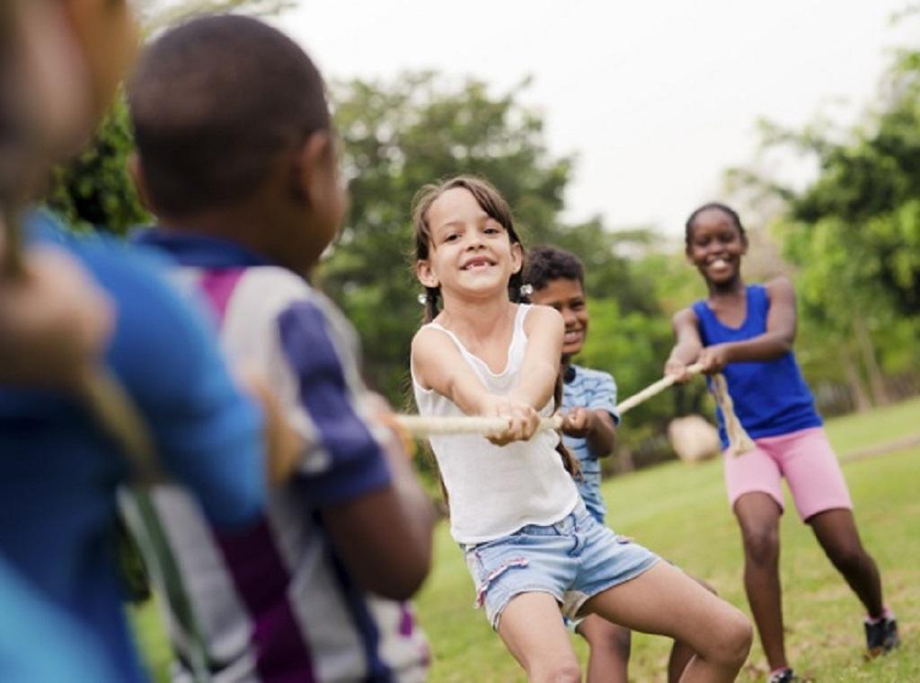 Le gouvernement devrait faire preuve de souplesse pour les adolescents pour accéder à certains lieux durant tout l'été, pour que ces derniers puissent avoir complété leur schéma vaccinal - DR : Depositphotos.com, Diego_Cervo