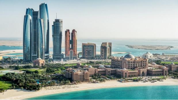 Les voyageurs vaccinés et non vaccinés sont désormais exemptés de quarantaine pour se rendre à Abu Dhabi. Toutefois les voyageurs non vaccinés restent soumis aux motifs impérieux - © Department of Culture and Tourism - Abu Dhabi