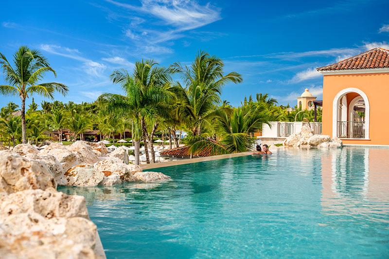 Sanctuary Cap Cana -Infinity pool © Playa Hotels & Resorts