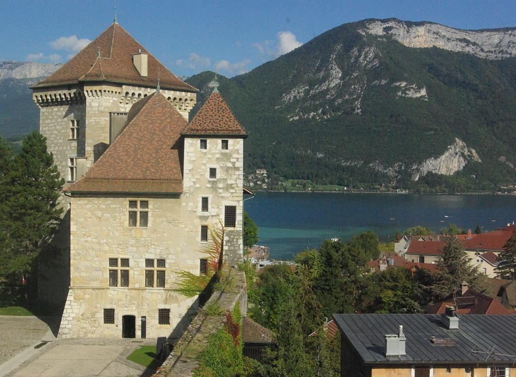 Le lac d'Annecy vu du château de Chambéry - DR : J.-F.R.