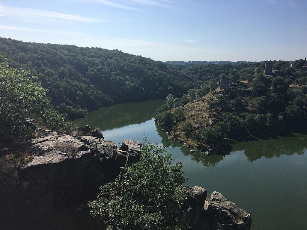 """Beaux à couper le souffle, les paysages de la vallée de la Creuse donnent naissance à l'école de Crozant """"impressionniste et pleinairiste"""" - DR : Wikimedia Commons, Floppy36"""