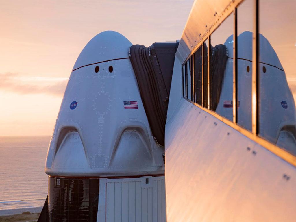 Le Tourisme Spatial d'aujourd'hui peut être comparé aux débuts de l'aviation commerciale, avec pourtant une différence majeure : tout va désormais plus vite et dans tous les domaines, y compris celui du tourisme dans l'espace - Photo Spacex.com/
