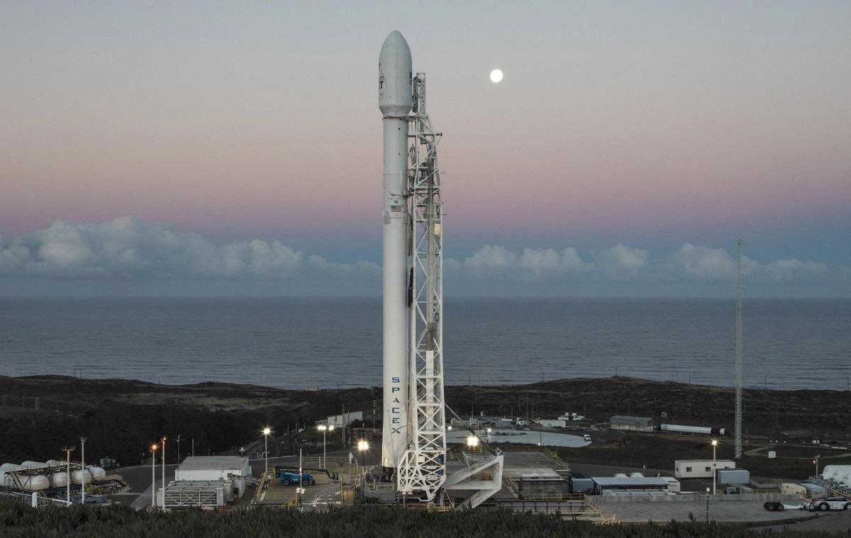 SpaceX va opérer son premier vol touristique. La mise en orbite autour de la Terre sera assurée par la fusée Falcon 9 à partir du vaisseau de transport Dragon - DR