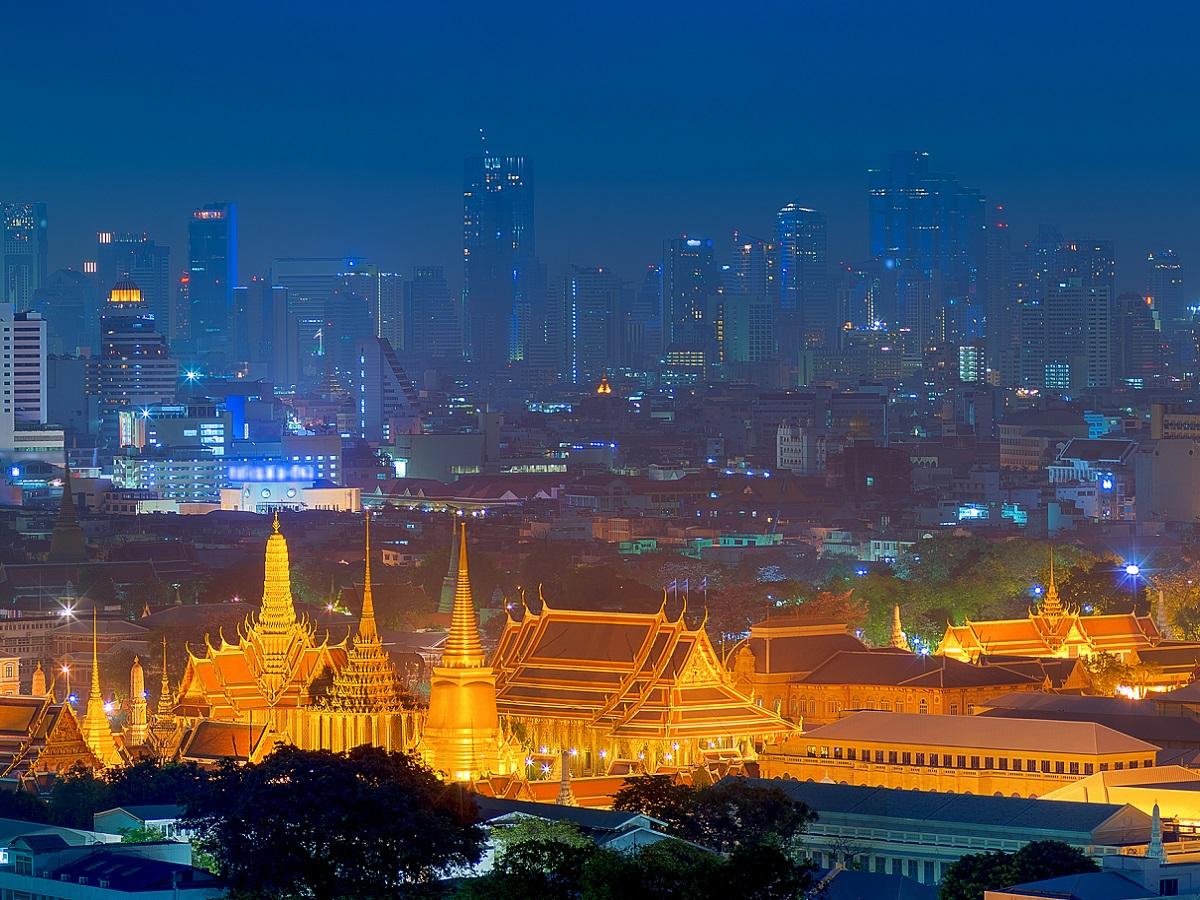 A cause d'une vaccination insuffisante l'ouverture aux touristes de Bangkok est reportée - Crédit photo : Depositphotos @nirutdps