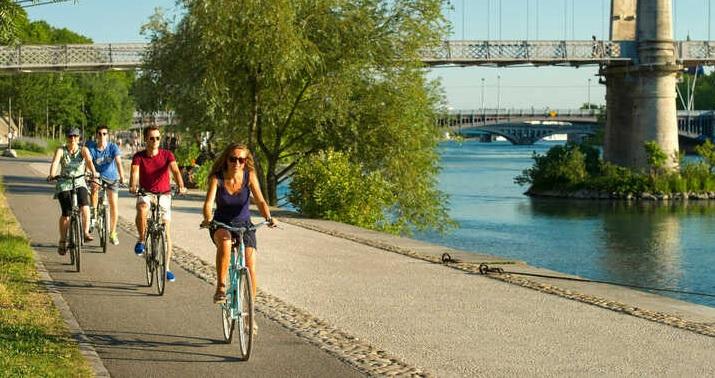 Durant tout l'été, les cyclistes, piétons et usagers de mobilités douces, ont pu emprunter l'ouvrage qui offre une continuité à la véloroute ViaRhôna - DR