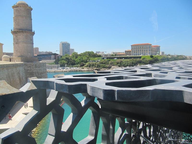 """Le MuCEM est certainement l'équipement le plus emblématique de """"Marseille Provence 2013, capitale européenne de la culture"""" - Photo P.C."""