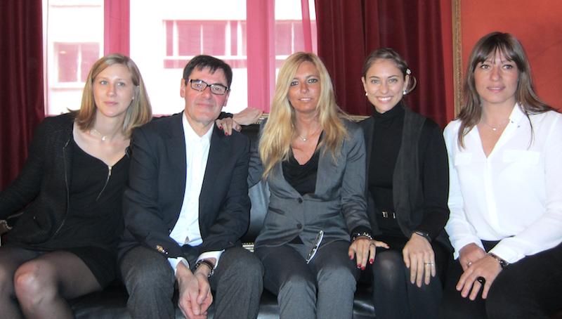 Olivier Glasberg entouré d'une partie de l'équipe de son nouveau TO et de l'agence Succès Voyage. DR - LAC