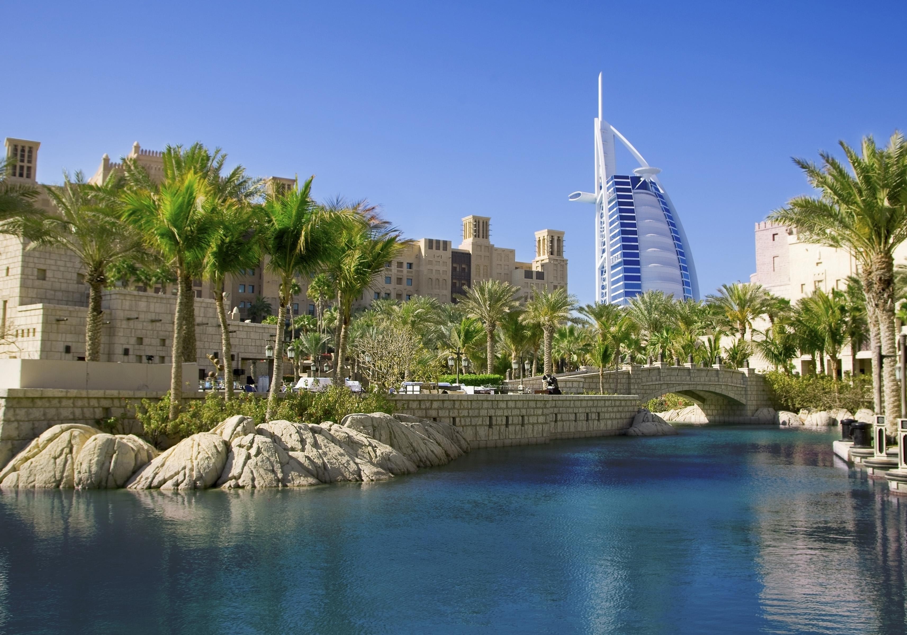 Les transporteurs du Golfe ont décidé non seulement de devenir les premiers opérateurs mondiaux, d'ailleurs Tim Clark ne cache pas les ambitions d'Emirates, mais également de faire tourner le transport aérien international autour de cette région du monde - © marrfa - Fotolia.com