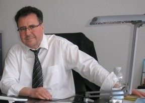 Rachid GORRI est consultant et coach International en stratégie marketing et communication (r.gorri@free.fr).