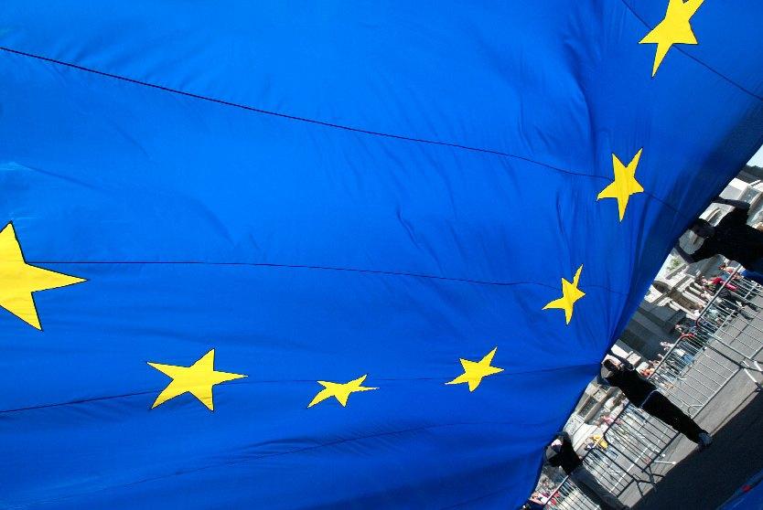 L'APST et le SNAV ont toujours défendu la responsabilité du vendeur et / ou de l'organisateur du voyage. Et récemment le SETO s'est rallié à cette position, dans une lettre co-signée par les 3 organismes et adressée au rapporteur du projet à Bruxelles. Photo UE
