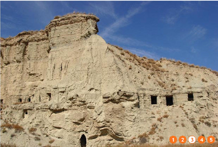 La Balaguère propose un réveillon avec hébergement dans des maisons d'hôtes troglodyte du désert de Bardenas, en Espagne - Photo DR