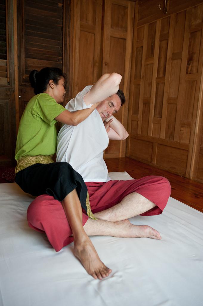 Traditionnellement, les femmes se font masser par un homme et les hommes par une femme. Une histoire de Yin et de Yang. ©DR