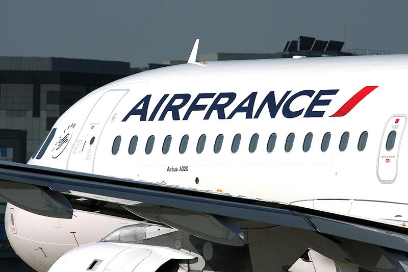 Pourquoi n'y a –t-il pas un transporteur « low cost » en France ? Est-ce parce que le groupe Air France ne le veut pas ?   Peut-être, mais alors à quoi correspond la création de Transavia.com ? - DR : Rob Finlayson