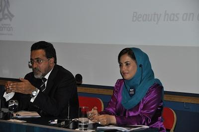 M. Ahmed Al Mahrizi, ministre du Tourisme et Mme Maitha Al Mahrouqi, secrétaire d'état au Tourisme d'Oman - Photo B.F.