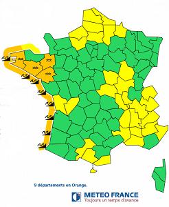 Vagues-submersion : la façade Atlantique toujours en alerte orange