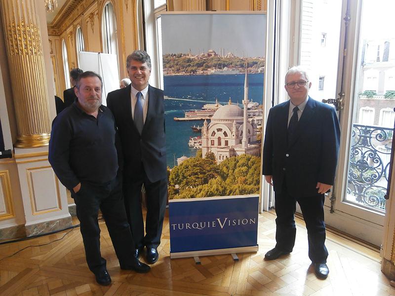 L'équipe dirigeante de Turquie Vision, avec son président Fikret Atalay (à droite ), le vice-président Berge Ulas (au milieu) et le directeur général Rasim Guvendi (à gauche) - DR