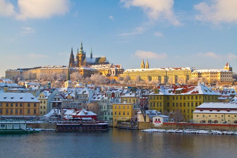 Prague, ici sous la neige, attire 80% de la clientèle française - DR