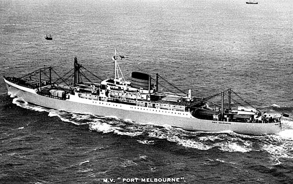 C'était… un cargo réfrigéré, qui reliait pour la Port Line (une filiale de Cunard Line) l'Australie et la Nouvelle Zélande à l'Angleterre, afin de l'approvisionner en viande. Il prenait quand même 12 passagers ! /photo dr