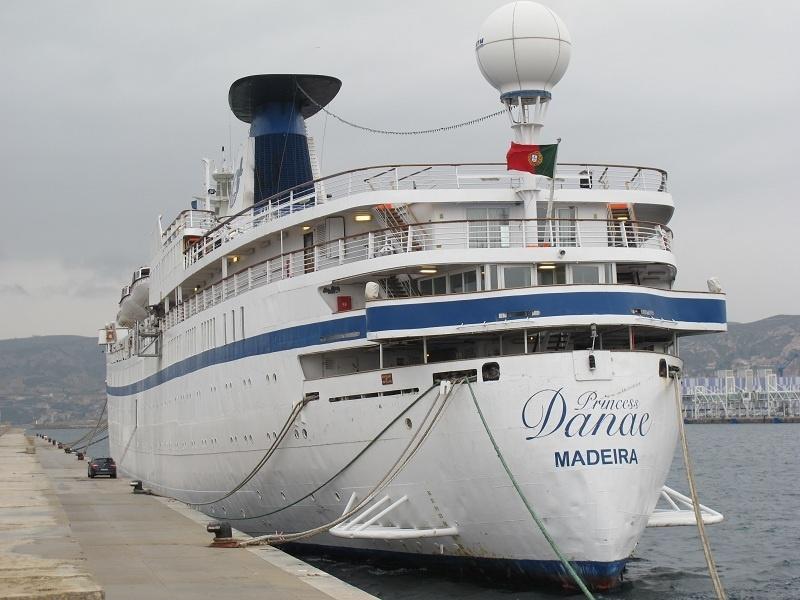 Parmi les clients de NDS Voyages, certains devaient partir sur le Princess Danaé. Après une période d'immobilisation à Marseille, le navire a été racheté par Portuscale Cruises mais n'a pas encore pu reprendre la mer - Photo P.C.