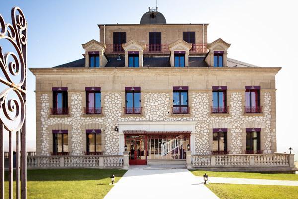 """Cet hôtel de charme de 34 chambres devient en 2012 un hôtel 4*, membre des réseaux """"Hôtels et Préférences"""" et """"Châteaux & Hôtels Collection"""" - DR"""