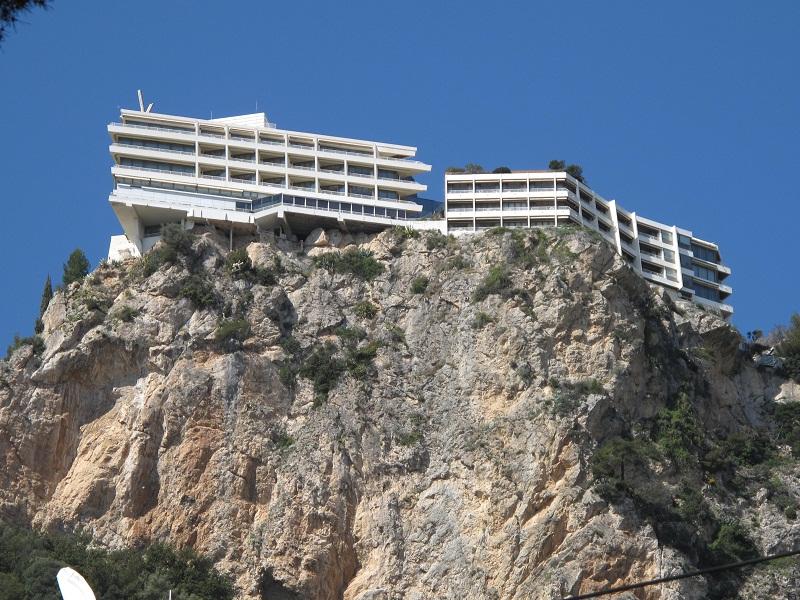 Situé sur la commune de Roquebrune Cap-Martin, le Vista Palace domine la Principauté de Monaco - Photo DR