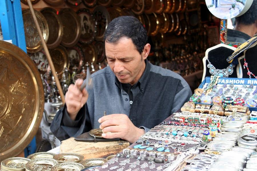 Les artisans de Sidi Bou préfèrent la clientèle française... /photo JDL