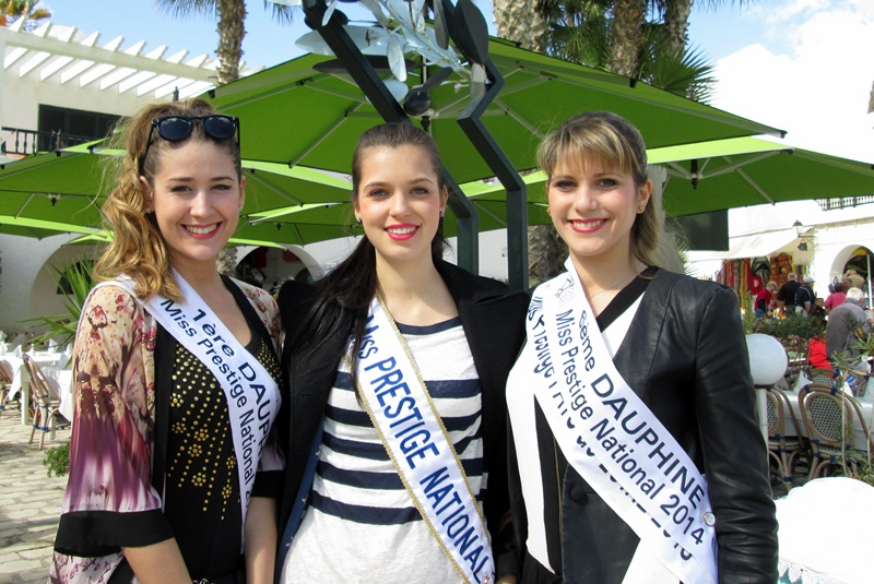 Miss Prestige National  Marie-Laure (Pays de Savoie) entourée de sa 1ère et 6e Dauphine  miss Ile-de-France (à gauche) et Pays de Loire. /photo DR