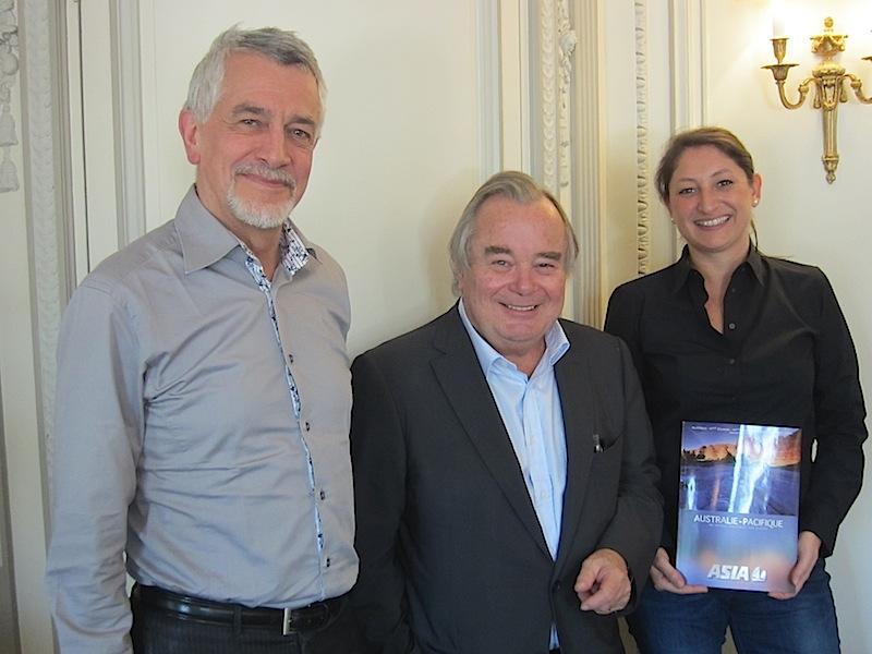Olivier Schiffer, le directeur de la production, Jean-Paul Chantraine le PDG et Karine Vampouille, chef de produit chez Asia. DR