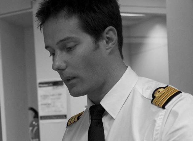 Thomas Pesquet, pilote Air France commercial A320 jusqu'en 2009, sera le 10ème Français à partir dans l'espace - photo AF