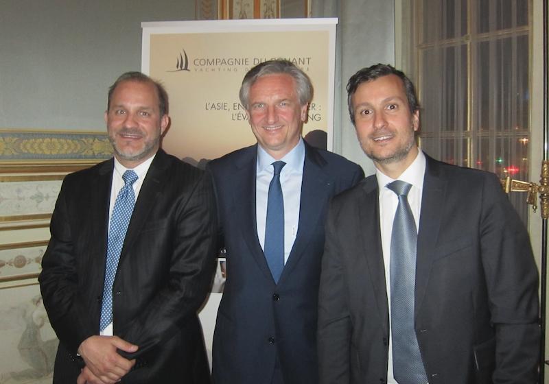 Jean-Emmanuel Sauvée, fondateur de la Compagnie du Ponant entouré d'Hervé Bellaïche, le vice-président exécutif, et de Nicolas Bilek, directeur des ventes Ouest Europe - DR : LAC