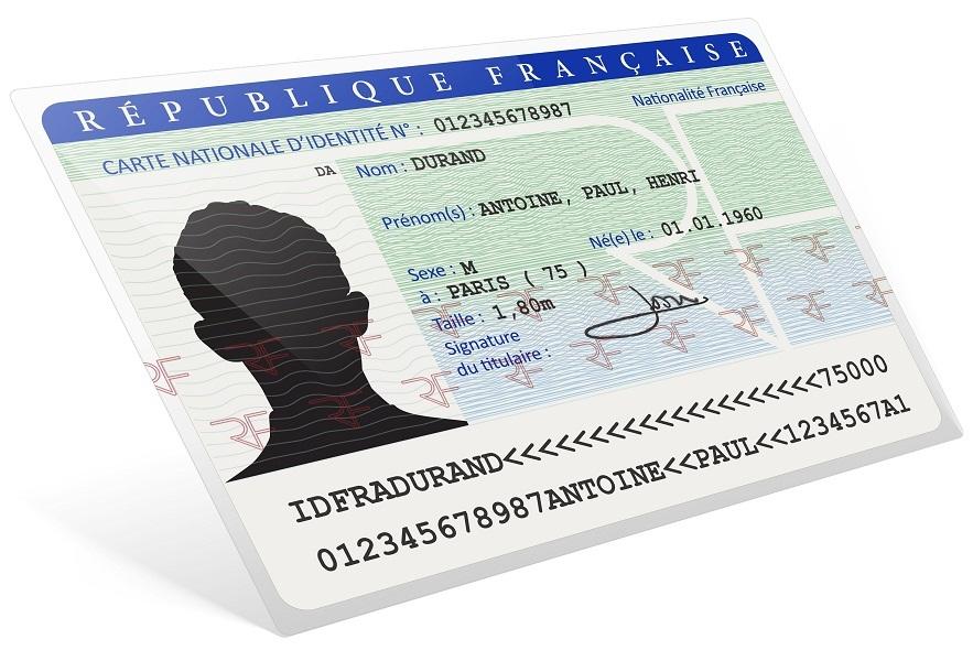 Même si la date de la carte d'identité est expirée, le document est, en principe, encore valide 5 ans. En principe seulement... - DR : © AcuaO - Fotolia.com