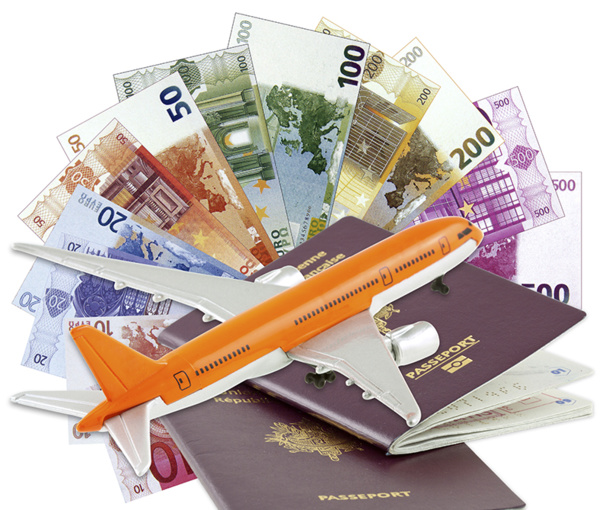 Many websites offer to guide travelers in their efforts to receive compensation from airline companies. Besides these costly services, the mediator of tourism and the site of the DGAC offer the same type of service but for free. © Unclesam - Fotolia.com