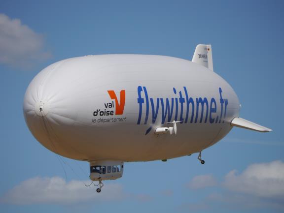 Haut comme un immeuble de 5 étages et long de ses 75 mètres, AirShip permet de découvrir l'Ile-de-France à 300m d'altitude - DR
