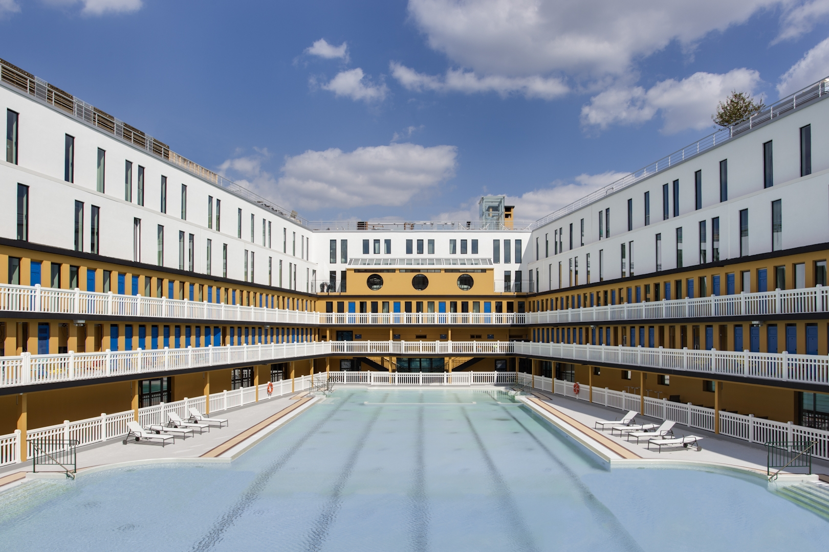 Piscine Molitor Accor Ouvre Un Hotel Mgallery Et Un Spa By Clarins