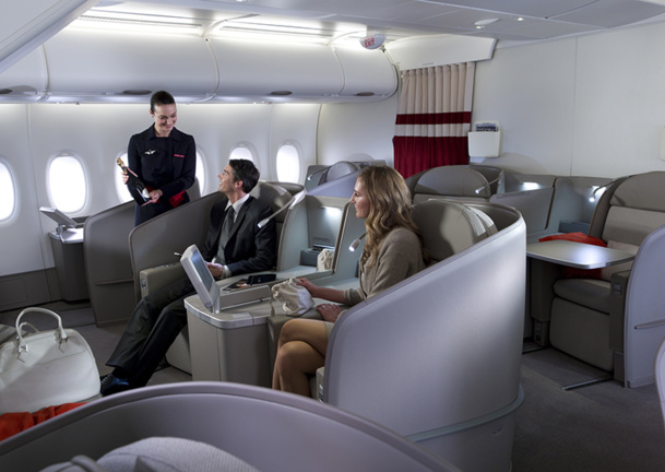 The choice of recreating a First Class seems intelligent because it will not only have a ripple effect on product quality in Business, experiencing changes, but also on the morale of the crew that will regain pride in serving a quality product - DR: Michael Lindner / AF