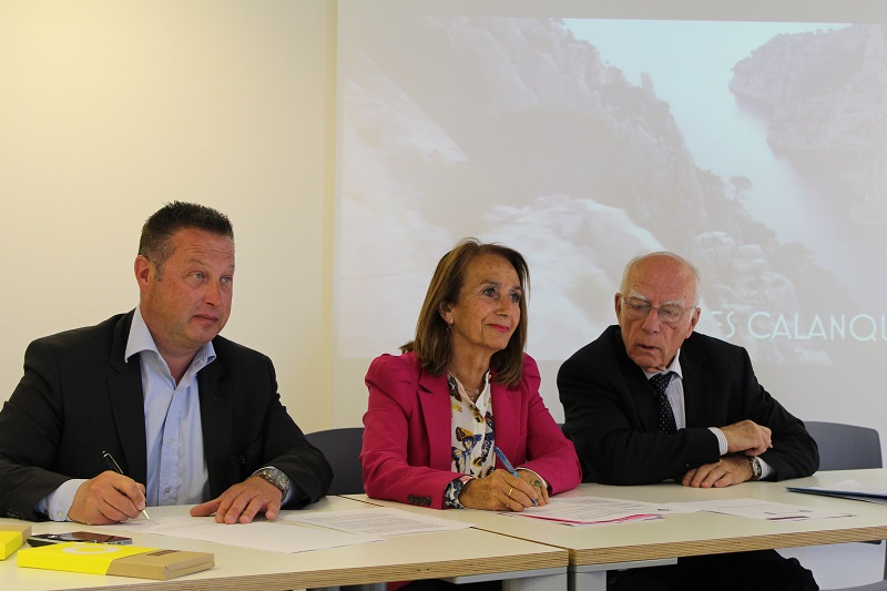 Le président du conseil d'administration du parc national des Calanques Didier Réault, la maire de Cassis, Danielle Milon, et le président de Bouches-du-Rhône Tourisme, Daniel Conte. photo : LT.
