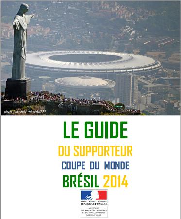 """Le Guide du Supporteur pour la Coupe du Monde 2014 a été présenté par Fleur Pellerin dans les locaux du journal """"L'équipe"""" - DR"""