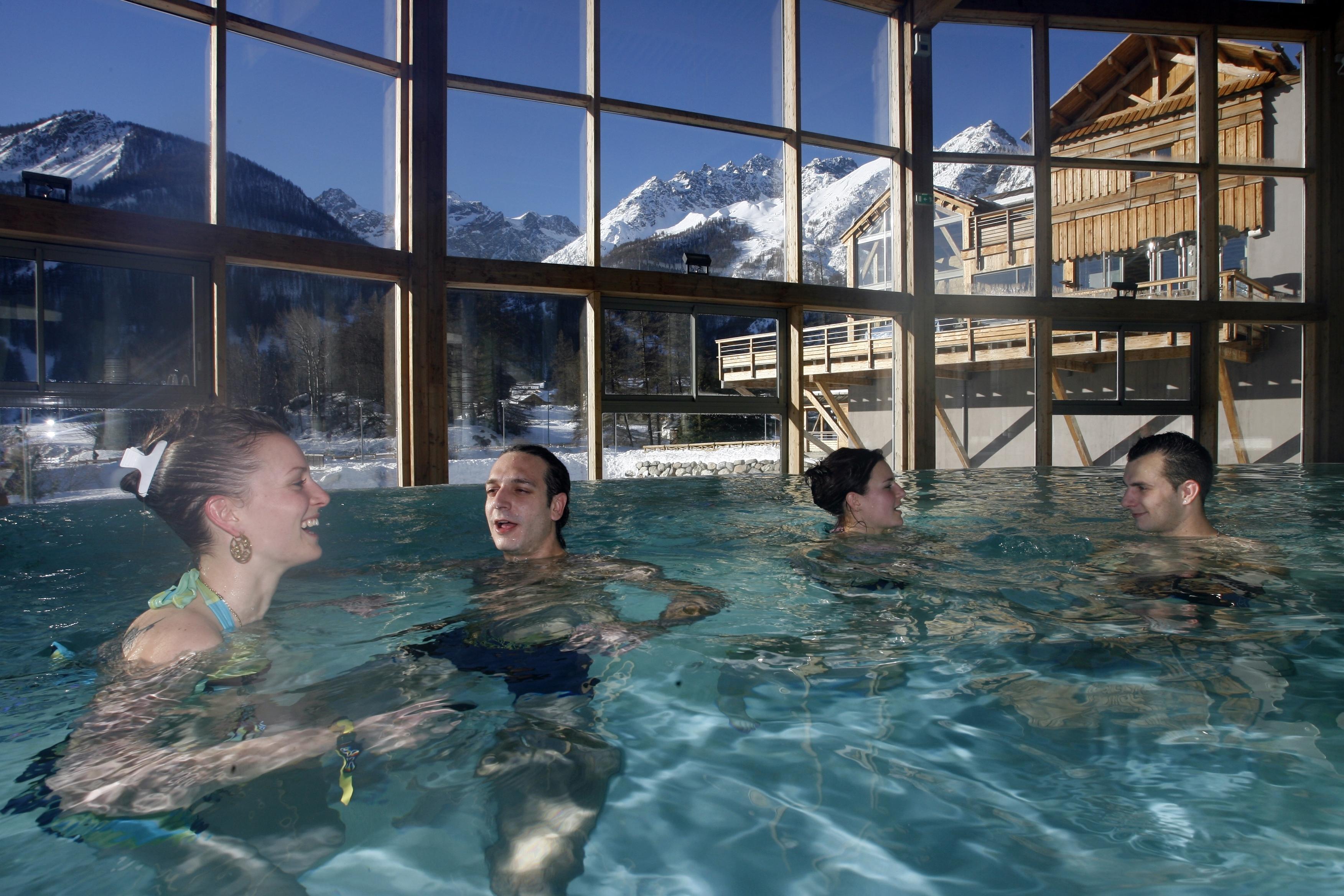 Spa d'eau chaude naturelle à Monêtier-les-Bains (Hautes-Alpes)