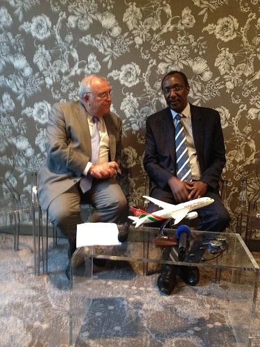 Le premier vol de Kenya Airways entre Nairobi et Paris en B787 Dreamliner s'est posé mardi 4 juin 2014 à CDG - Photo G.B.